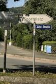 Sportplatz-Schild