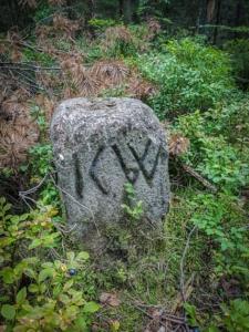 Grenzstein mit KW