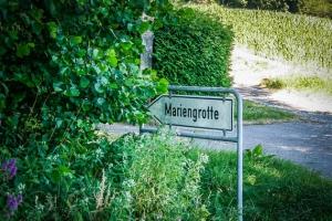 Schild Mariengrotte Frankfurt