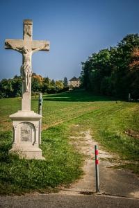 Steinernes Kruzifix