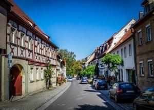 Die Mainstraße in Eltmann