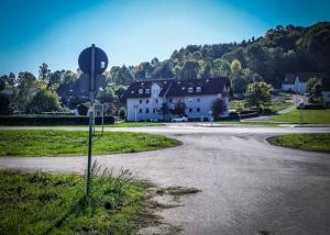 Über Landstraße nach Eschenbach