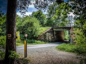Einzige Brücke unter Schiefer Ebene