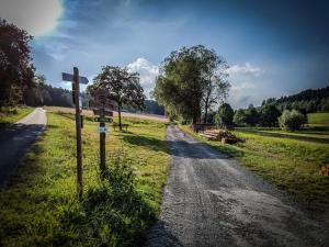 Erneuter Wegweiser außerhalb von Lauenstein