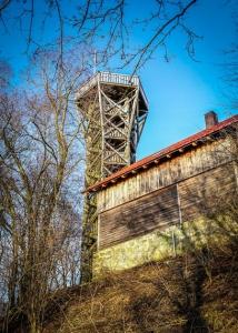 Der ehemalige Aussichtsturm auf dem Zabelstein