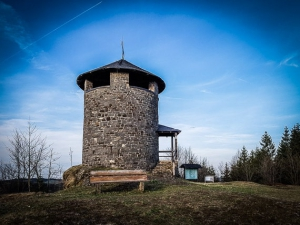 Aussichtsturm Frankenwarte über Hirschberglein