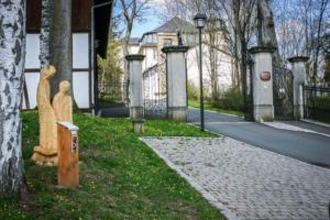Start der Bibelweg Tour am Schloss Untermerzbach