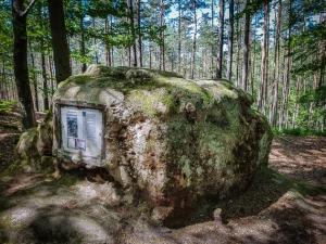 Tafel-Felsen auf Ruine Wartstein