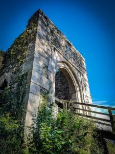 Wandern in den Ruinen über Bad Berneck