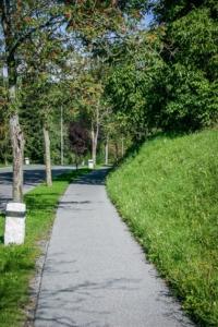 Weg an der Rehabilitationsklinik Lautergrund