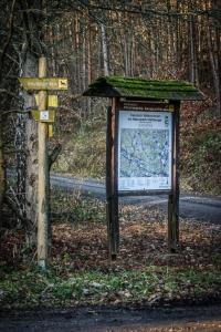 Tafel am Wanderparkplatz hinter Godelhof