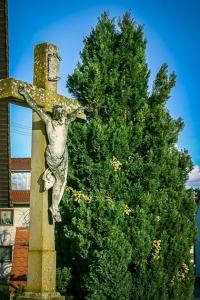 Kruzifix-Standbild in Saltendorf