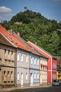 Die Häuserzeile am Marktplatz richtung Rauher Kulm