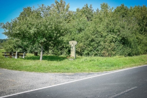 Start an Gedenkstein außerhalb von Oberschwarzach