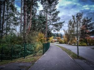 Breiter Fußgängerweg