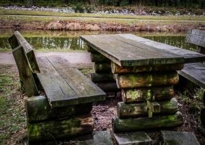 Holzbank-Sitzgruppe
