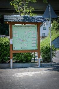 Wandertafel am Flößerhaus Wallenfels