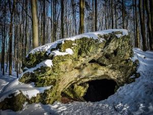Die Jungfernhöhle über Tiefenellern