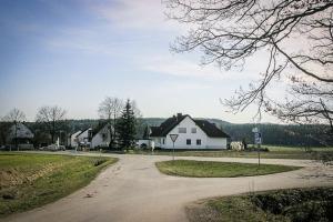 Vor dem Ort Obermainbach