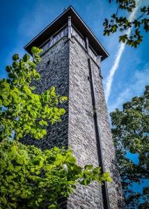 Der weltweit einzige Eklogit-Turm auf dem Weißenstein